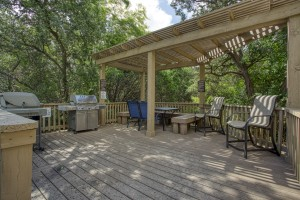 Three Bedroom Apartments for Rent in San Antonio, TX - Pergola Grilling Area