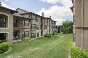 Three Bedroom Apartments for Rent in San Antonio, TX - Exterior Buildings